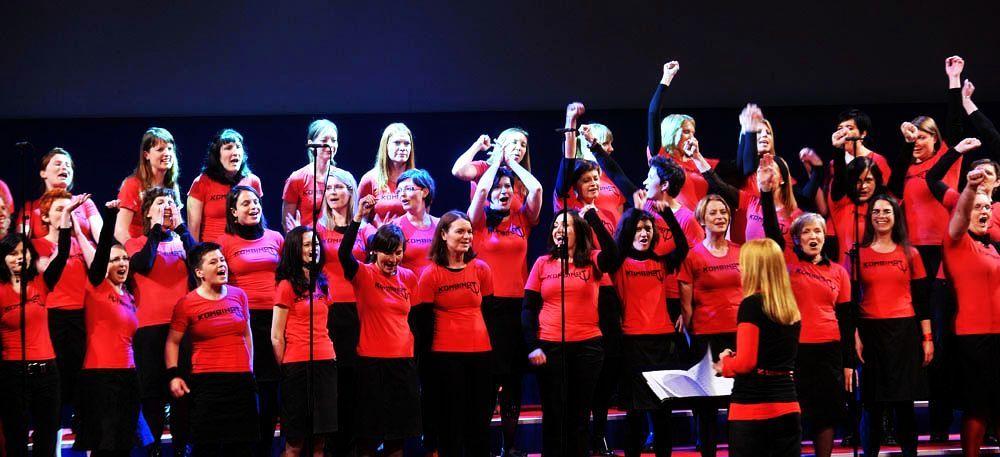 Ženski pevski zbor Kombinat » Press material